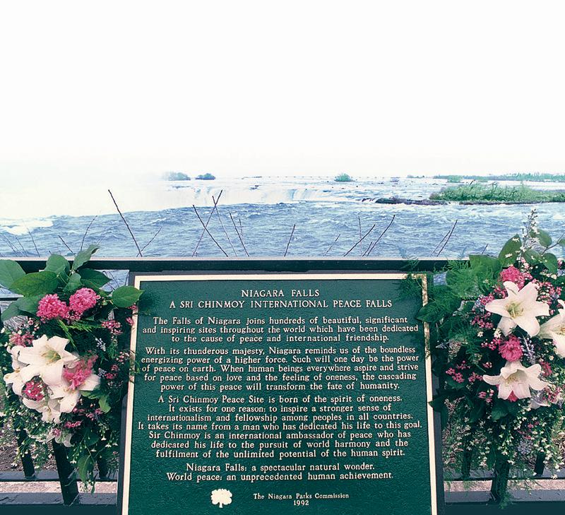 Niagara vízesés - Sri Chinmoy Békevirág