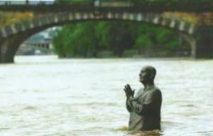 Sri Chinmoy szobor - Praga2
