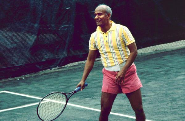 sri chinmoy tenisz
